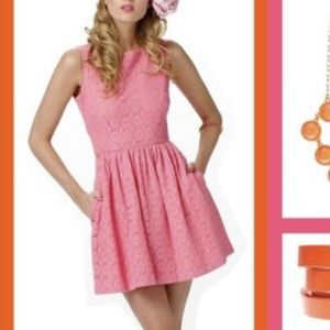 Pink Lilly Pulitzer dress WITH POCKETS!